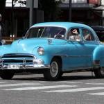 Een van de weinige mooiie oude auto's in Valdivia
