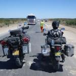 Rechte asfalt wegen met veel verkeer en wegwerkzaamheden, daar houden wij niet van!