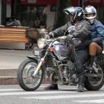 Een van de echte bikers in Valvidia, op een heuse Verox 250 cc V-twin